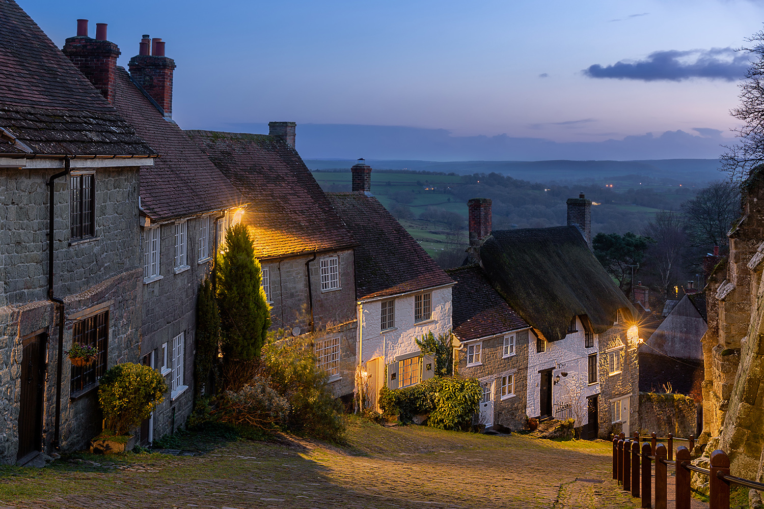 Gold Hill Places to Visit in Shaftesbury, Dorset