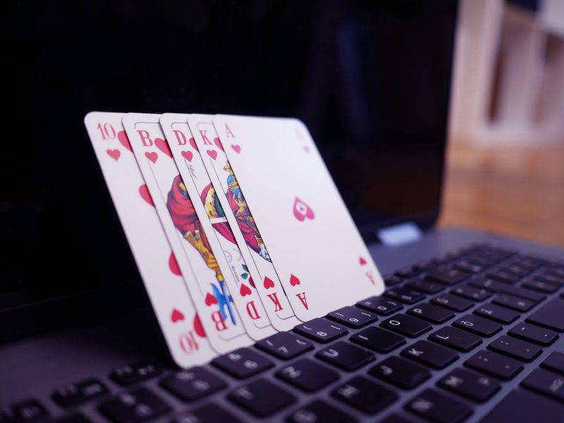 How To Choose a Poker Training Site